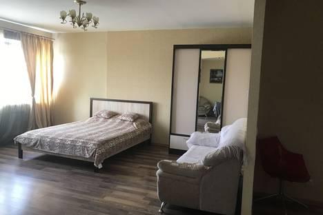 Сдается 1-комнатная квартира посуточно в Екатеринбурге, ул. Юмашева, 13.