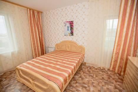 Сдается 3-комнатная квартира посуточно, Республики, 33а.