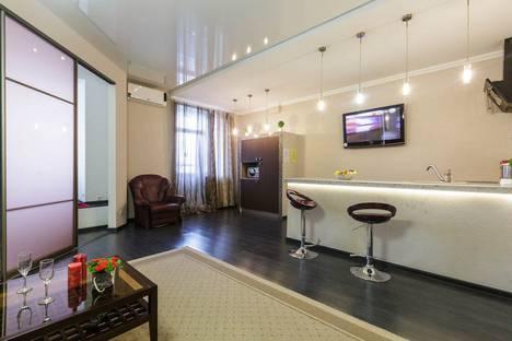 Сдается 1-комнатная квартира посуточно, улица Алексея Толстого, 135.