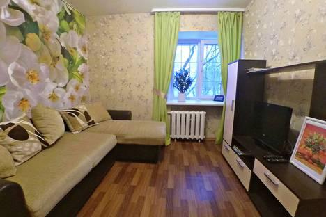 Сдается 2-комнатная квартира посуточно в Перми, улица Ленина, 84.