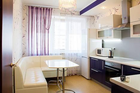 Сдается 2-комнатная квартира посуточно в Тольятти, ленина, 35а.