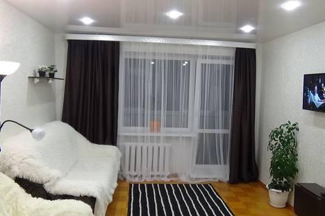 Сдается 3-комнатная квартира посуточно в Великом Новгороде, ул.Псковская д.16 к.4.
