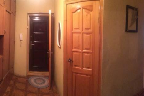 Сдается 3-комнатная квартира посуточнов Ставрополе, улица Орджоникидзе, 1.