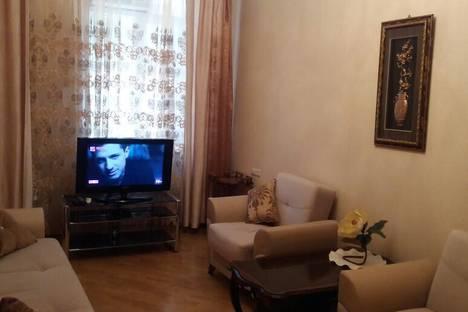Сдается 2-комнатная квартира посуточно в Баку, 1 проспект Азербайджана.