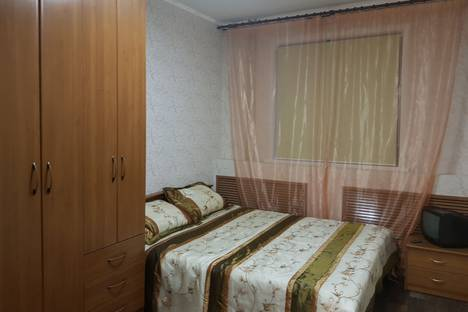 Сдается 2-комнатная квартира посуточно в Норильске, Комсомольская улица, 7а.