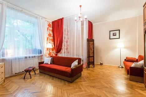 Сдается 1-комнатная квартира посуточнов Видном, Гончарная набережная 3с3.