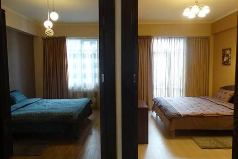 Сдается 4-комнатная квартира посуточно в Тбилиси, 19 Pavle Ingorokva Street.