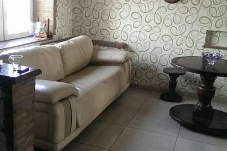 Сдается 2-комнатная квартира посуточно в Запорожье, козачая 1.
