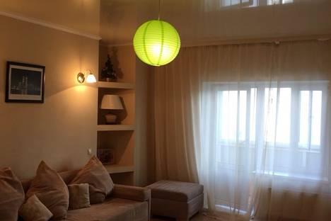 Сдается 1-комнатная квартира посуточнов Тюмени, улица 50 лет ВЛКСМ, 19,Россия.
