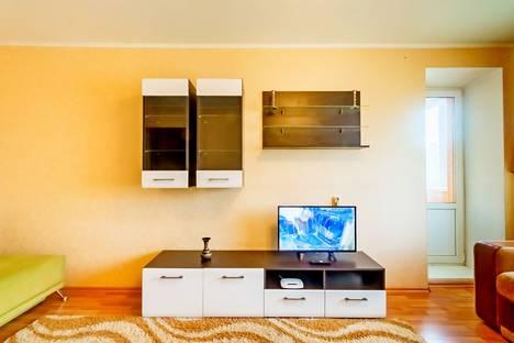 Сдается 2-комнатная квартира посуточно в Магнитогорске, улица Советская, 157.
