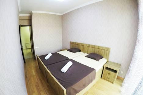 Сдается 3-комнатная квартира посуточно, Pavle Ingorokva Street 19.