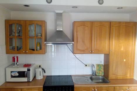 Сдается 2-комнатная квартира посуточно в Новосибирске, ул. Железнодорожная, 4.