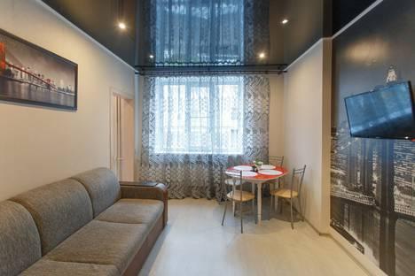 Сдается 2-комнатная квартира посуточно в Челябинске, проспект Ленина, 24.