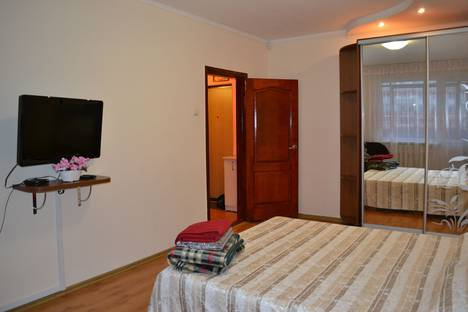 Сдается 1-комнатная квартира посуточно в Симферополе, ул Куйбышева 13.