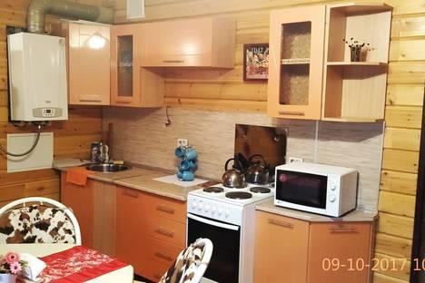 Сдается 2-комнатная квартира посуточно в Зеленой поляне, Банное, Курортная 55/1.