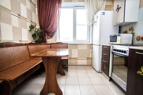 Сдается 3-комнатная квартира посуточнов Октябрьском, проспект, 54.