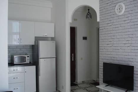 Сдается 2-комнатная квартира посуточно, ул. Кобаладзе15.
