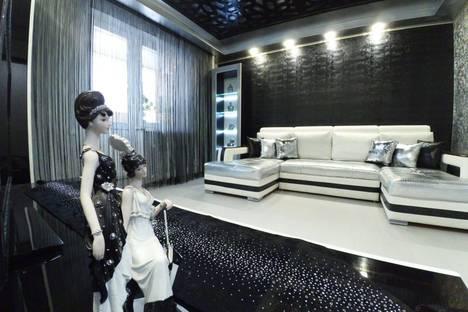 Сдается 3-комнатная квартира посуточно в Казани, Профессора Камая улица, 8а.