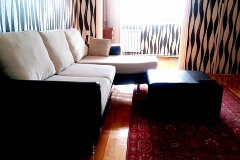 Сдается 2-комнатная квартира посуточно, Zahid Xəlilov Küçəsi, 23.