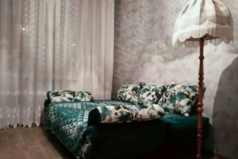 Сдается 3-комнатная квартира посуточнов Омске, ул. 70 лет Октября, 13.