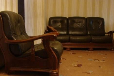 Сдается 3-комнатная квартира посуточнов Омске, Бородина, 37.