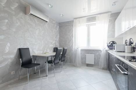 Сдается 2-комнатная квартира посуточнов Звенигороде, улица Маковского, 26.