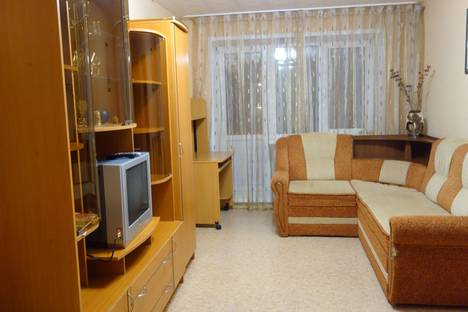 Сдается 2-комнатная квартира посуточнов Ярославле, улица Кривова д. 57.