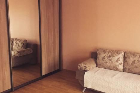 Сдается 1-комнатная квартира посуточно в Барнауле, Песчаная улица, 80.