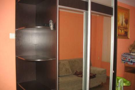 Сдается 1-комнатная квартира посуточно, улица Маклакова, 2.
