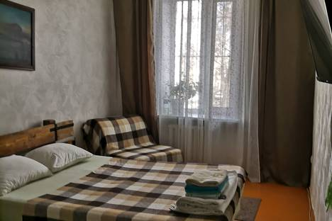 Сдается 2-комнатная квартира посуточно в Нижнем Тагиле, улица К. Маркса 44.