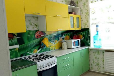 Сдается 2-комнатная квартира посуточно в Ухте, проезд Строителей 37.