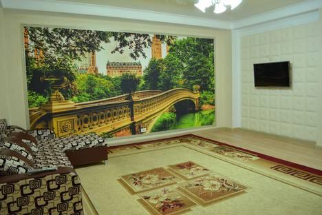 Сдается 2-комнатная квартира посуточно в Актобе, 11мкр ул. Маметова 7.