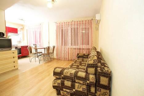 Сдается 3-комнатная квартира посуточно в Нижнем Новгороде, Окский съезд, 1.