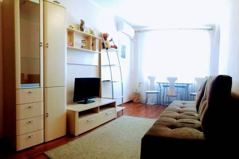 Сдается 2-комнатная квартира посуточно, Рабоче-Крестьянская улица, 5.