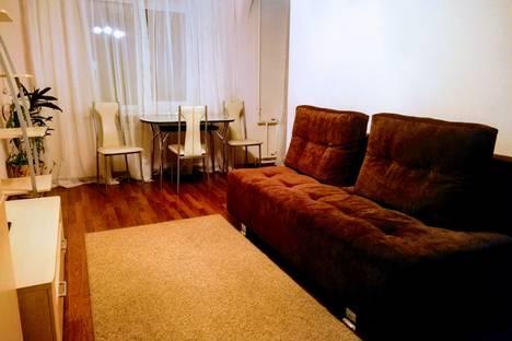 Сдается 2-комнатная квартира посуточно в Волгограде, Рабоче-Крестьянская улица, 5.