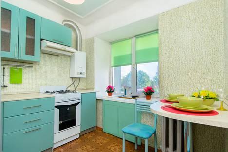 Сдается 1-комнатная квартира посуточнов Казани, улица Саид-Галеева, 3.