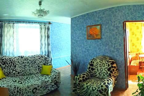 Сдается 1-комнатная квартира посуточно в Балакове, ул. Факел Социализма, 11.