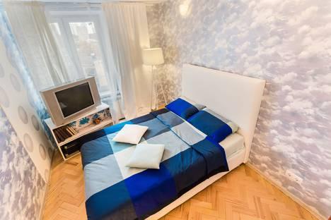 Сдается 2-комнатная квартира посуточнов Лобне, 2-я Черногрязская улица, 1.
