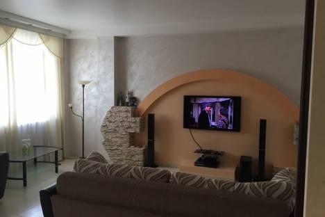 Сдается 1-комнатная квартира посуточно в Адлере, улица Ромашек 6.