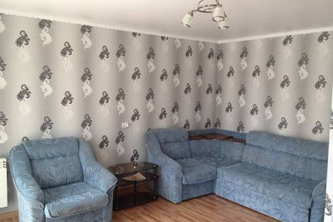 Сдается 1-комнатная квартира посуточно в Сатке, пр.Мира 13.