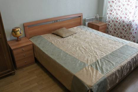 Сдается 3-комнатная квартира посуточно в Омске, ул Иркутская, 66.
