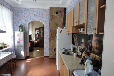 Сдается 2-комнатная квартира посуточно в Ессентуках, ул Володарского 6.