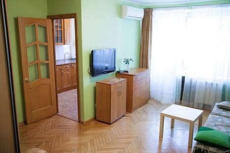 Сдается 1-комнатная квартира посуточнов Дзержинском, Большая Грузинская улица, 63.
