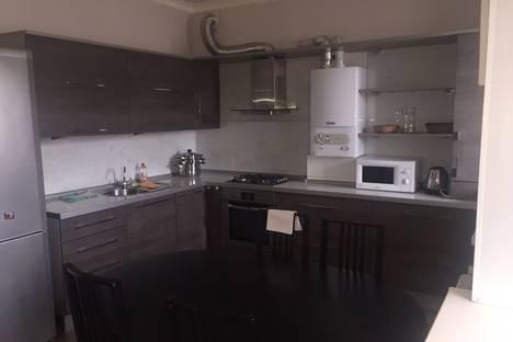 Сдается 3-комнатная квартира посуточно в Костроме, бульвар Михалевский, 3.