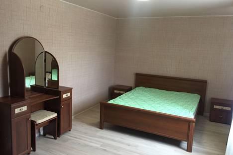 Сдается 1-комнатная квартира посуточно в Кирове, ул. Ленина, 134 корп. 1.