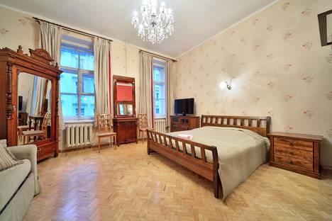 Сдается 1-комнатная квартира посуточно в Санкт-Петербурге, Большая Морская улица, 13.