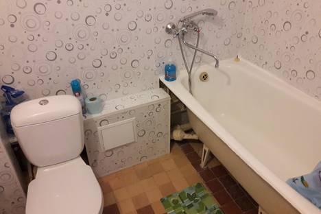 Сдается 1-комнатная квартира посуточно в Златоусте, Уральская улица, 1.