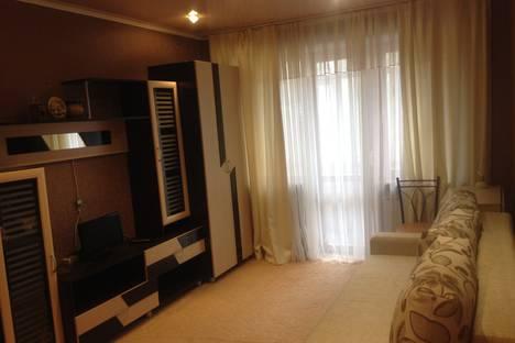 Сдается 1-комнатная квартира посуточно в Златоусте, улица Грибоедова, 11.