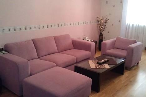 Сдается 2-комнатная квартира посуточнов Азове, Пушкинская улица, 231.