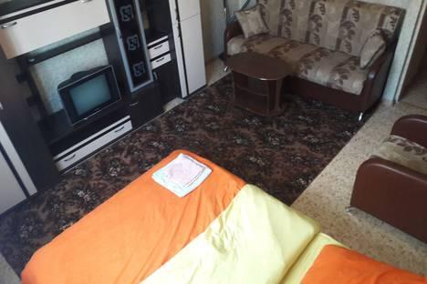 Сдается 2-комнатная квартира посуточно, Флотский проезд, 11.